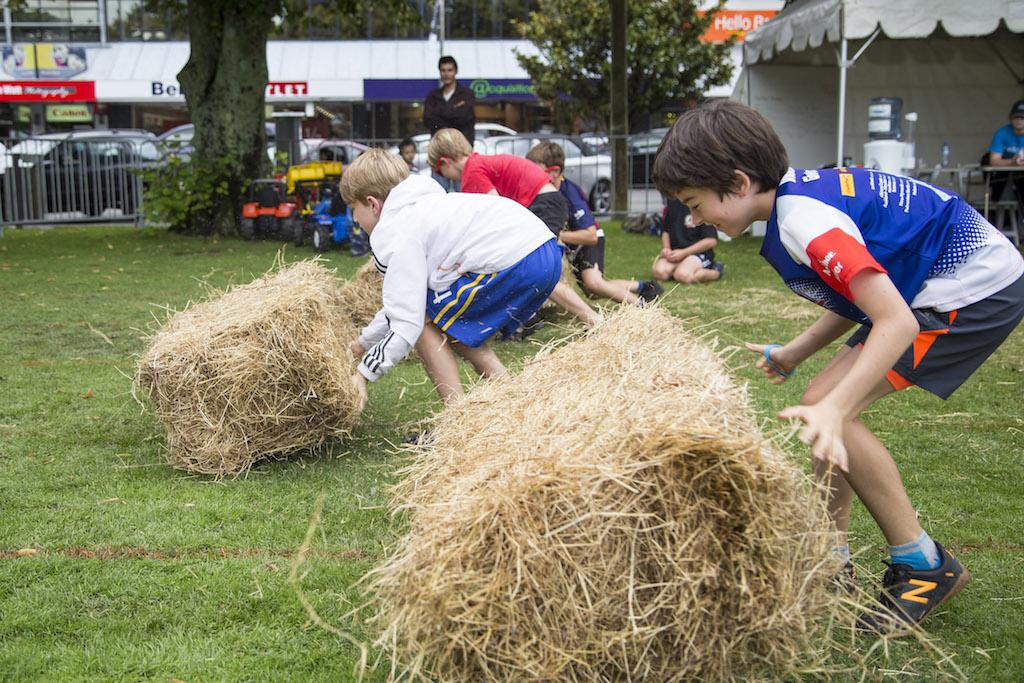 Kids Hay Bale Race
