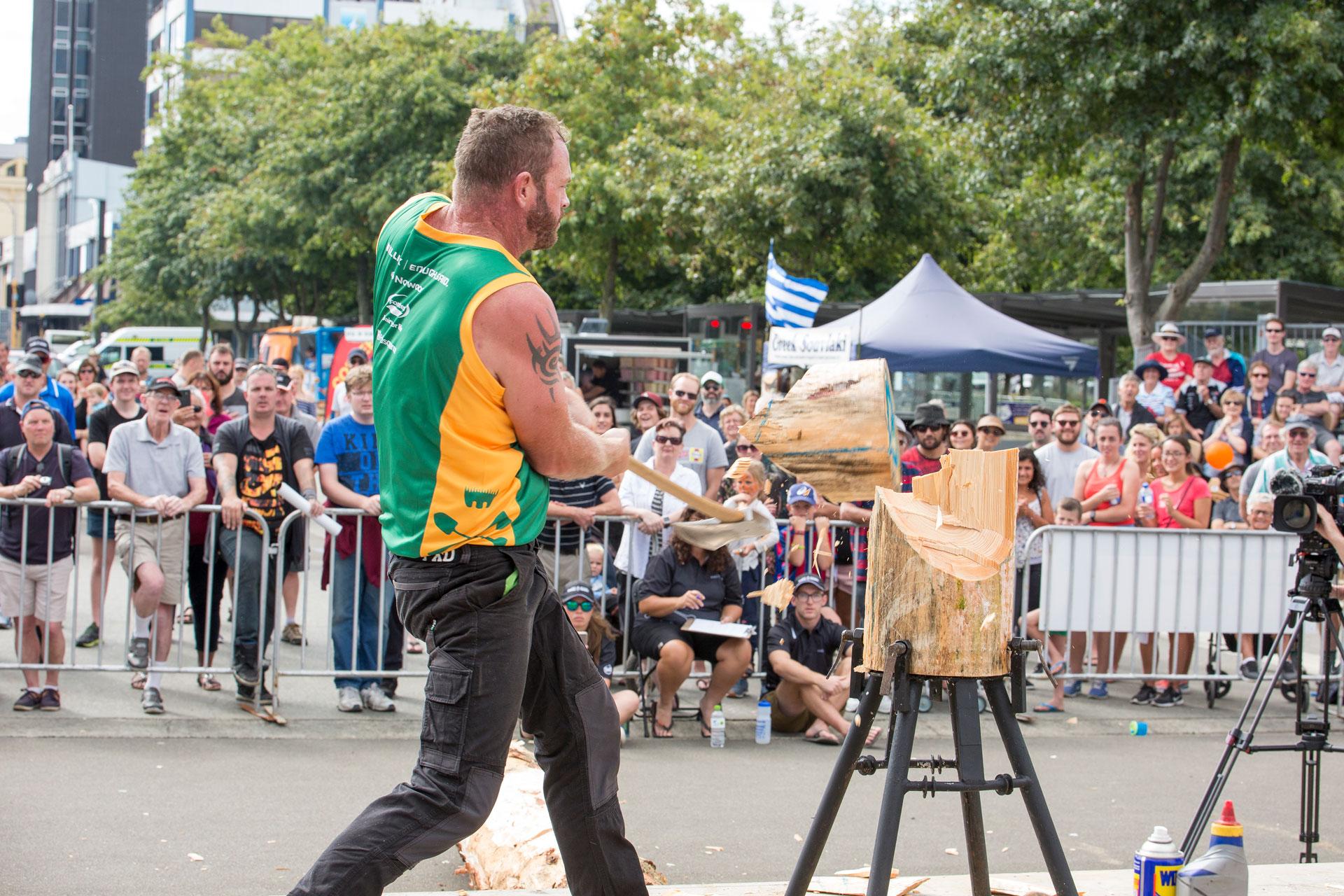 ANZAXE Wood Chopping